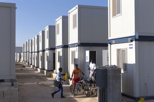 Kuva Hal Farin pakolaisleiriltä Maltalta.