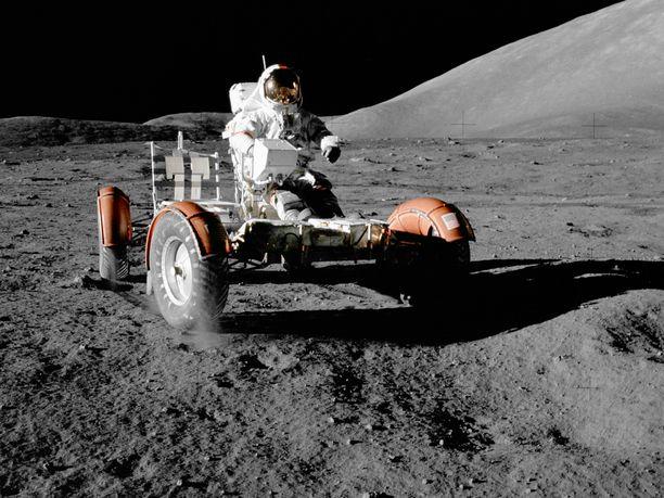 Kuumönkijöitä oli käytössä Apollo-lennoilla 15, 16 ja 17.