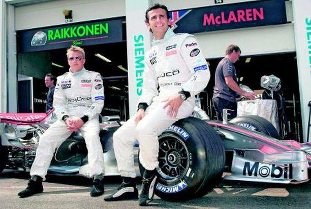 PALUU Pedro De la Rosa ajaa Kimi Räikkösen parina loppukauden.