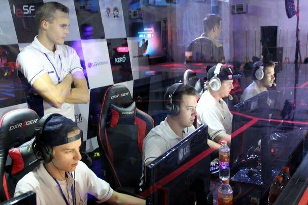 Voitosta puhuminen maailmanmestaruutena on herättänyt kritiikkiä muissa Counter-Strike-pelaajissa.