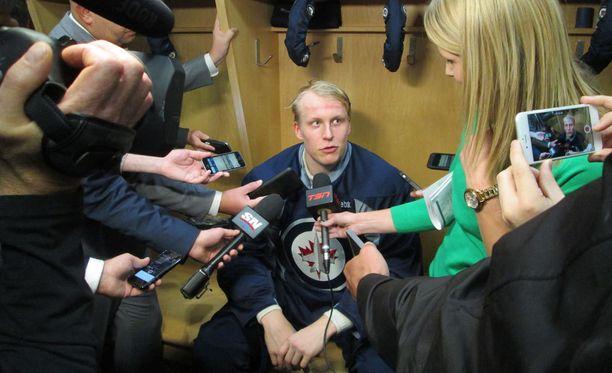 Patrik Laine on ollut yksi alkukauden seuratuimpia pelaajia NHL:ssä.