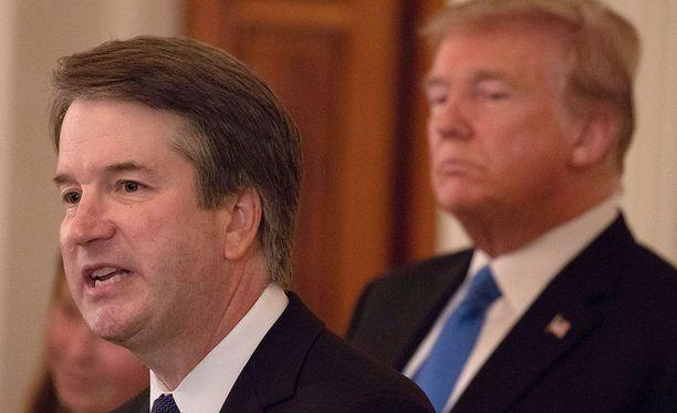 Donald Trumpin korkeimman oikeuden tuomariksi nimittämää ehdokasta Brett Kavanaugh'ta syytetään seksuaalisesta väkivallasta.