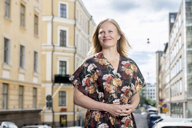 Tiede- ja kulttuuriministeri Hanna Kosonen kannustaa kaikkia pitämään silmät auki, jotta epäasiallista käytöstä saataisiin kitkettyä.