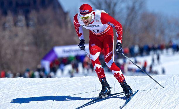 Alex Harvey hallitsee sekä 50 kilometriä että sprintin. Hän voitti perjantai-iltana Suomen aikaa Quebecissä vapaan hiihtotavan maailmancupin sprintin.