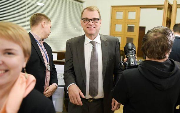 Pääministeri Juha Sipilä (kesk) iloitsi Tallinnan lehdistötilaisuudessa, että Baltic Connectorin ansiosta Suomi pääsee osaksi Euroopan kaasumarkkinoita.