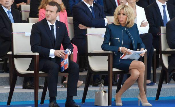 Brigette Macronin mukaan hänen asemansa presidentin puolisona on epävirallinen.