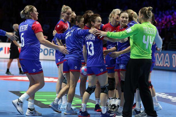Venäjän maajoukkue taistelee mitaleista käsipallon EM-kilpailuissa.