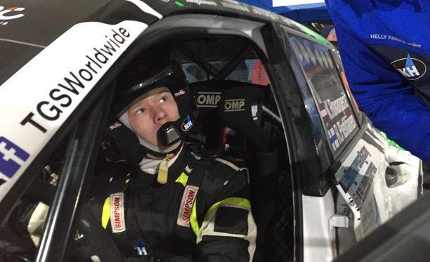 Kalle Rovanperä pääsee pian myös siviililiikenteeseen auton kanssa.
