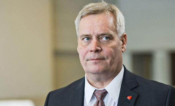 Antti Rinne ei pidä realistisena Tuomiojan ehdotusta kolmen puolueen yhteisestä vaaliohjelmasta.