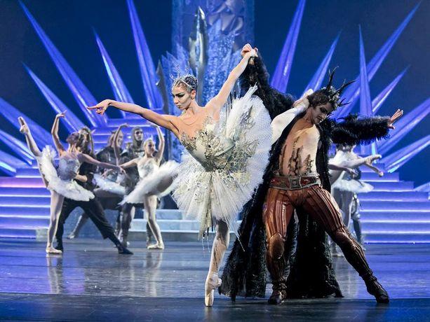 Lumikuningattaressa lavalla nähdään myös Krista Kosonen.