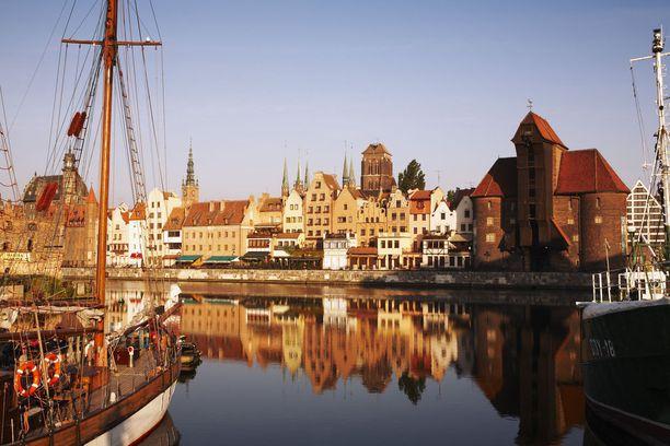 Motlawa-joki virtaa Gdanskin lävitse.