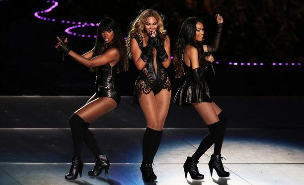 Kelly Rowland, Beyonce Knowles ja Michelle Williams tekivät lyhyen paluun myös vuonna 2013.
