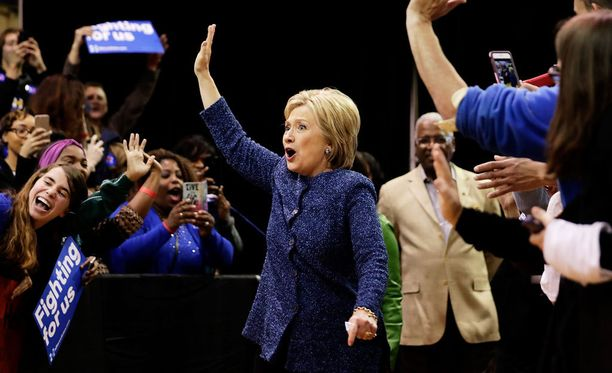 Hillary Clinton esiintyi 27.2.2016 kampanjatilaisuudessa Alabamassa.