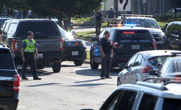Capital Gazetten toimituksessa tapettiin viisi ihmistä. Ampuja otettiin kiinni.