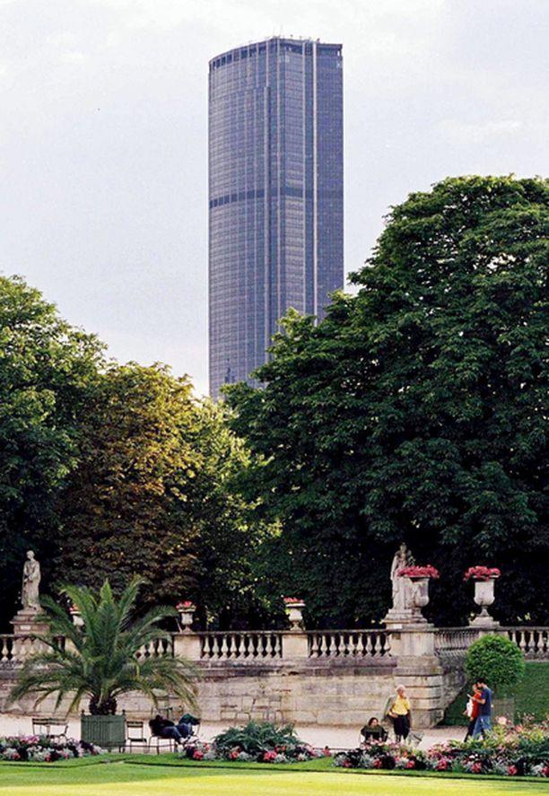 2. Montparnasse-torni ei kerännyt kehuja.