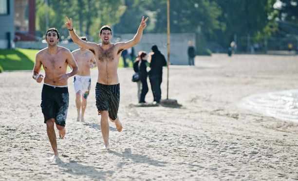 Tämä kuva on otettu 30. syyskuuta 2011, jollon Etelä-Suomessa mittailtiin syyskuun lopun lämpöennätyksiä: Porvoossa oli 22,3 astetta, Helsingissä 21 astetta. Hellettä on syyskuussa mitattu viimeksi vuonna 2004.
