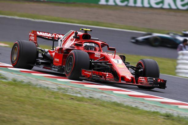 Kimi Räikkönen sai Ferrarinsa hallintaan juuri ennen törmäystä seinään.