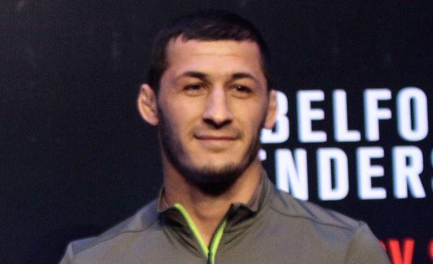 Rashid Magomedov nousi otsikoihin upean urotyön jälkeen.