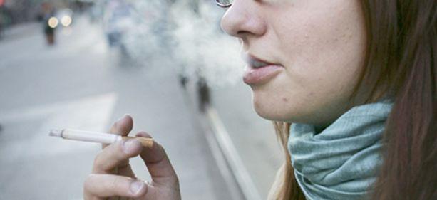 Nuoret suhtautuvat tupakointiin yhä kielteisemmin.