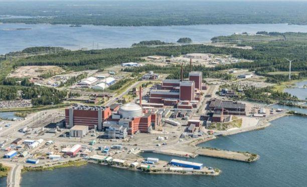Sähköaseman tulipalo irrotti Olkiluodon reaktorit kantaverkosta. Kuvituskuva.