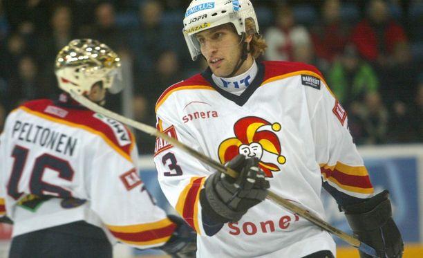 David Nemirovsky Jokereiden paidassa marraskuussa 2002.