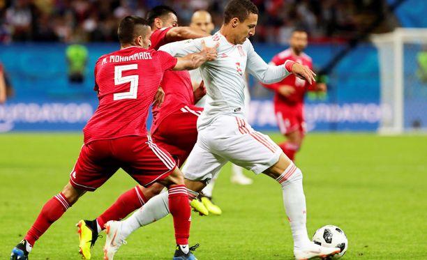 Iranin Milad Mohammadi kohautti myöhään keskiviikkona pelatussa Espanja-pelissä.