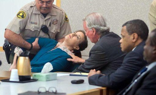Järkytys oli niin suuri, että Lovejoy pyörtyi oikeudessa.
