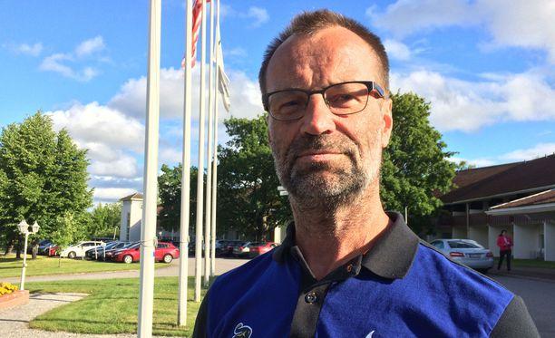 Jari Kaarelan valmentama Sotshin KHL-joukkue leireilee Heinolassa.