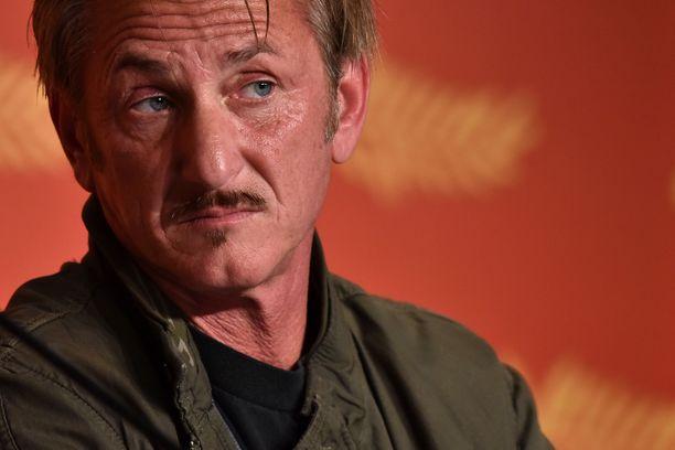 El Chapon jäljille päästiin yhdysvaltalaisnäyttelijä Sean Pennin avulla.
