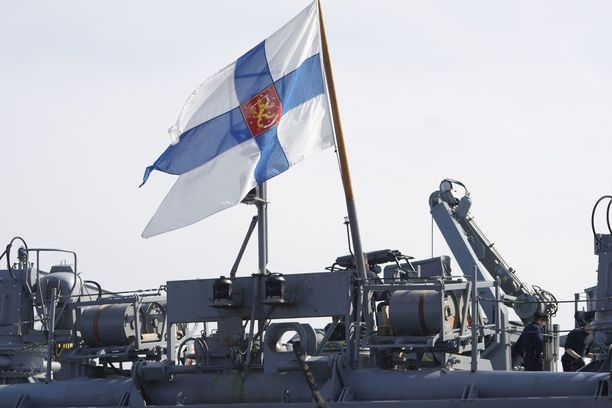 Hovioikeus katsoi, että syytetty edusti myös juhlien jatkoilla työnantajaansa eli Suomen merivoimia.
