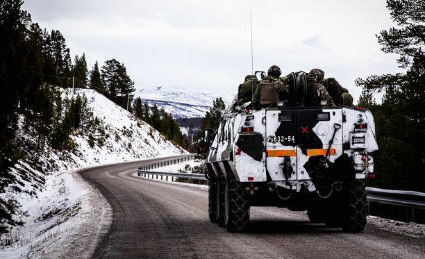 Edellisen kerran iso suomalaisjoukko osallistui ulkomaiseen sotaharjoitukseen viime syksynä Pohjois-Norjassa pidetyssä Nato-harjoituksessa.
