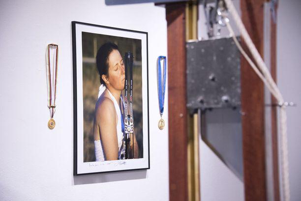 Erika Eiffel on niittänyt mainetta myös jousiampujana. Yhdysvaltalaisella naisella on kaksi kultamitalia maailmanmestaruuskisoista.