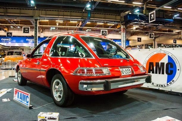 AMC Pacer, amerikkalainen näkemys 70-luvun modernista pikkuautosta.