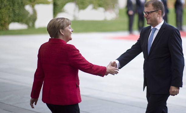 Juha Sipilä aikoo näyttää kaavionsa ainakin Saksan liittokansleri Angela Merkelille.
