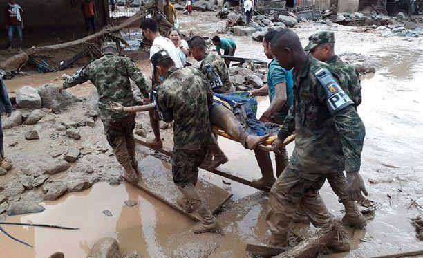 Kolumbian mutavyöryissä on kuollut ainakin 92 ihmistä ja 170 ihmistä on loukkaantunut.