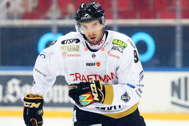 Oskar Osala voitti keväällä hopeaa Kärppien riveissä.