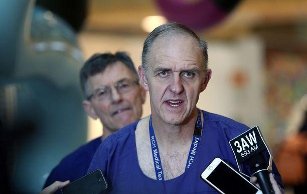Leikkausta johtanut kirurgi Joe Crameri kertoi, että ennen leikkausta he eivät tienneet varmasti mitä yhteisiä elimiä tytöillä on.
