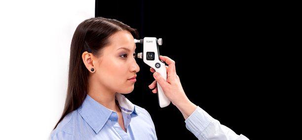 Silmänpainemittari helpotti suuresti lääkäreiden työtä.