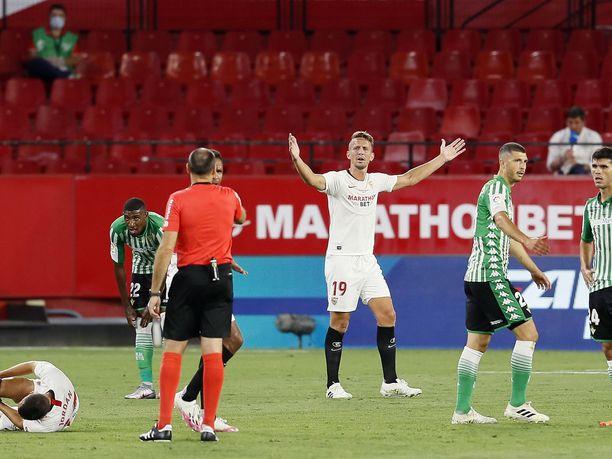 Luuk de Jongin (19) edustama Sevilla kukisti Real Betisin.