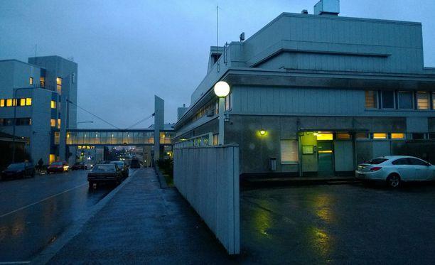 Sekä valtio että lyhytkasvuinen mies olivat yksimielisiä siitä, että olosuhteet Tampereen poliisivankilassa olivat epäinhimilliset.
