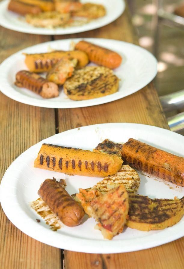 Kasvispohjainen ruokavalio on tällä hetkellä nosteessa. Viime aikoina markkinoille on tullut paljon erilaisia lihan korvikkeita.