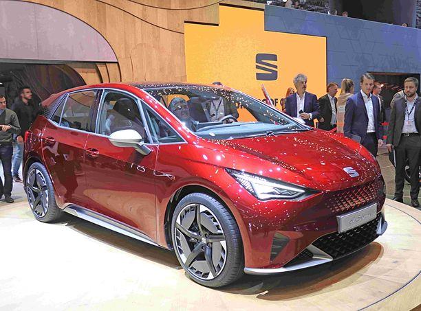 Miksi tavissähköauton pitäisi olla ruma? Tässä on Seatin Leon-kokoluokan tuleva sähköauto, toistaiseksi prototyyppi.