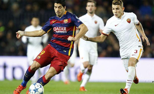 Luis Suárez ja Lucas Digne pelaavat ensi kaudella joukkuekavereina Barcelonassa.