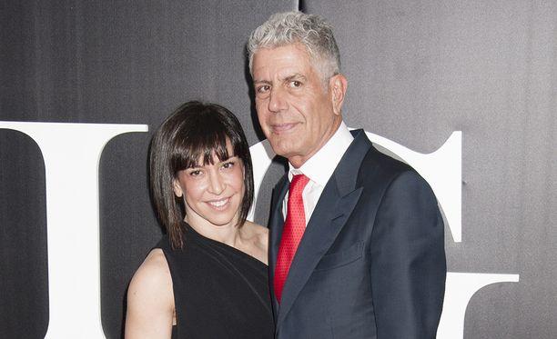 Ottavia Busia ja Anthony Bourdain olivat naimisissa yhdeksän vuotta.
