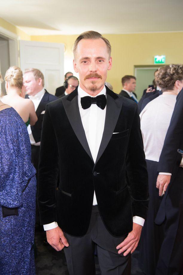 Jasper Pääkkönen oli yksi Linnan klassisen tyylikkäimmistä pukeutujista.