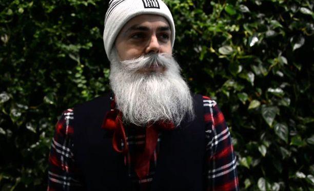 Brother Christmas on tuusulalainen perheenisä, joka järjestää hyväntekeväisyystempauksia taiteilijanimensä turvin. Hän raportoi tempauksista ja niiden tuloksista Facebookissa.
