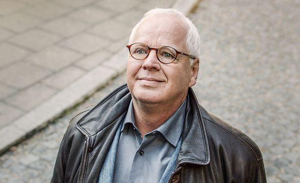 Voi, voi, Michael, yksi Iltalehden lukijoista harmittelee, kun Michael Ande poistuu tänään ruudusta myös meillä Suomessa.