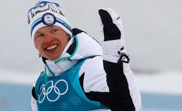 Iivo Niskanen tuuletti kukituksessa tuoreena olympiavoittajana.
