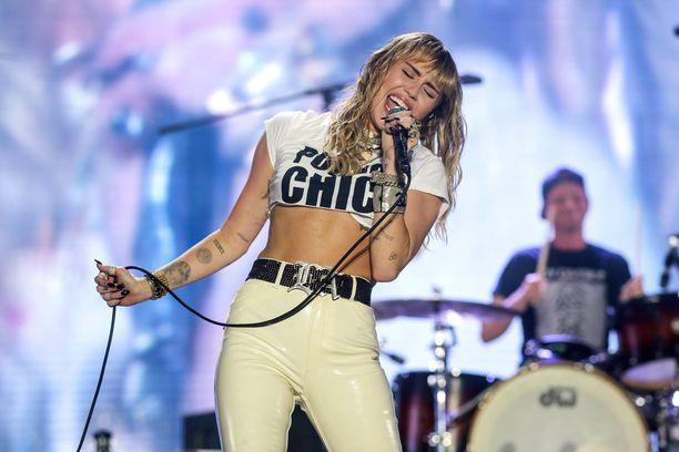 Miley Cyrus tunnetaan ystävällisyydestään fanejaan kohtaan.