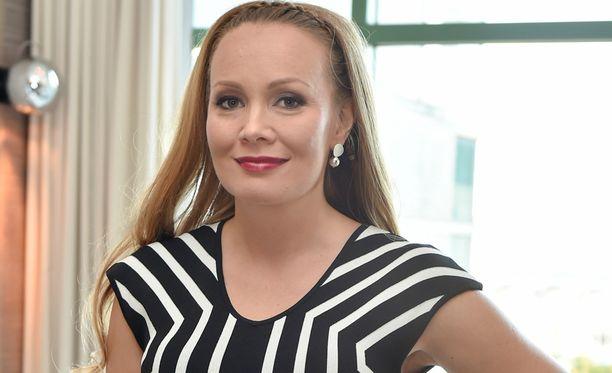 Marja Hintikka tuli tunnetuksi Puoli seitsemän-keskusteluohjelman myötä.